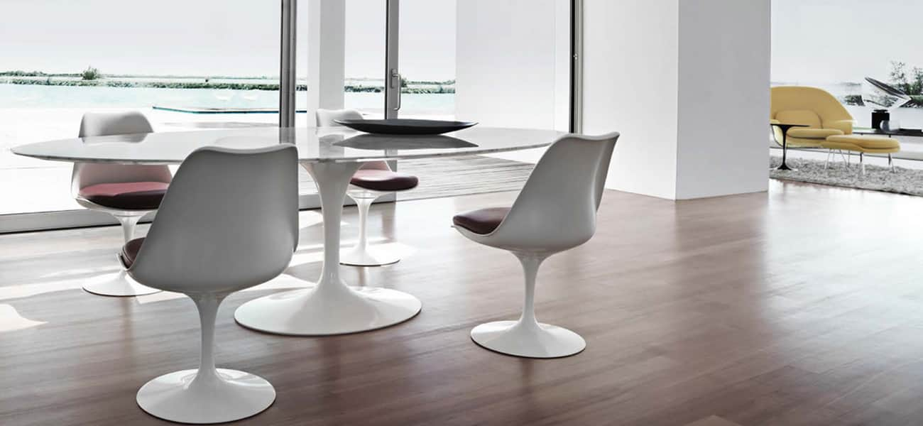 la table ovale dessin e par eero saarinen et dit e par knoll. Black Bedroom Furniture Sets. Home Design Ideas