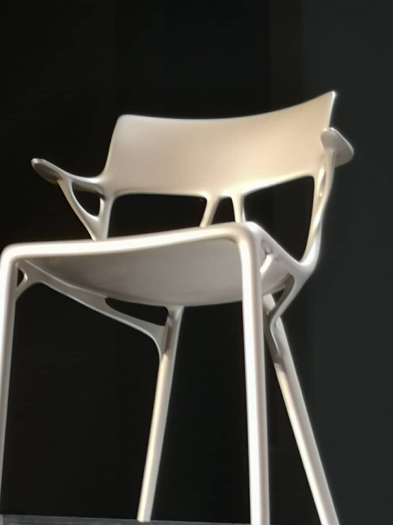 Chaise A.I. : quand Kartell rencontre une intelligence artificielle